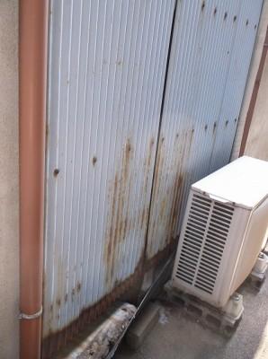 洗濯場トタン板外側2